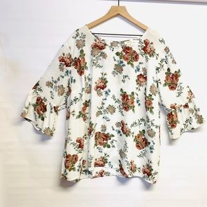 COMO BLU 3X white floral blouse bell sleeves
